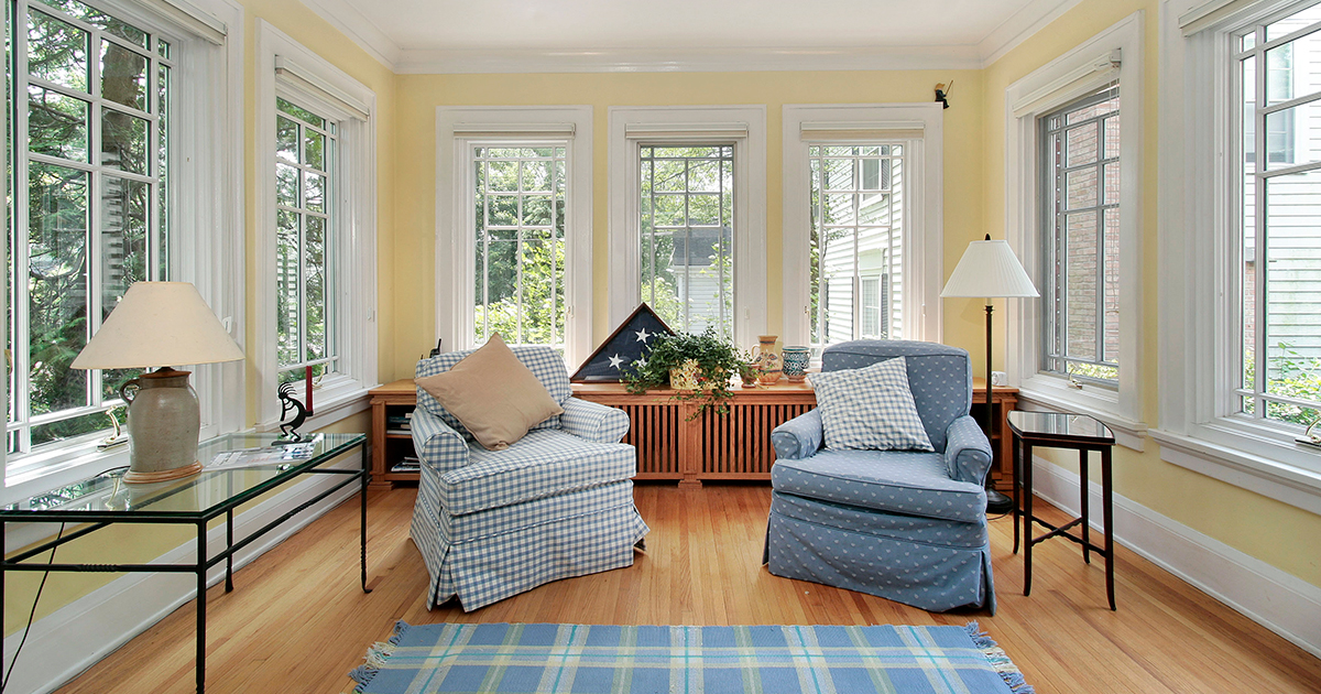 5 Tips To Ensure Your Hardwood Floors Stay In Great Condition During The Summer